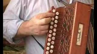 Identify key on diatonic accordion