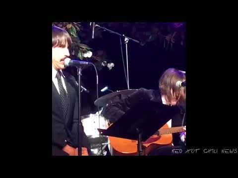 Josh Klinghoffer and Anthony Kiedis - Can't Stop (Acoustic) - 26.10.2017