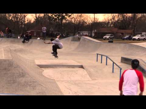 Muskogee Skatepark - Attack of the Front Shove!