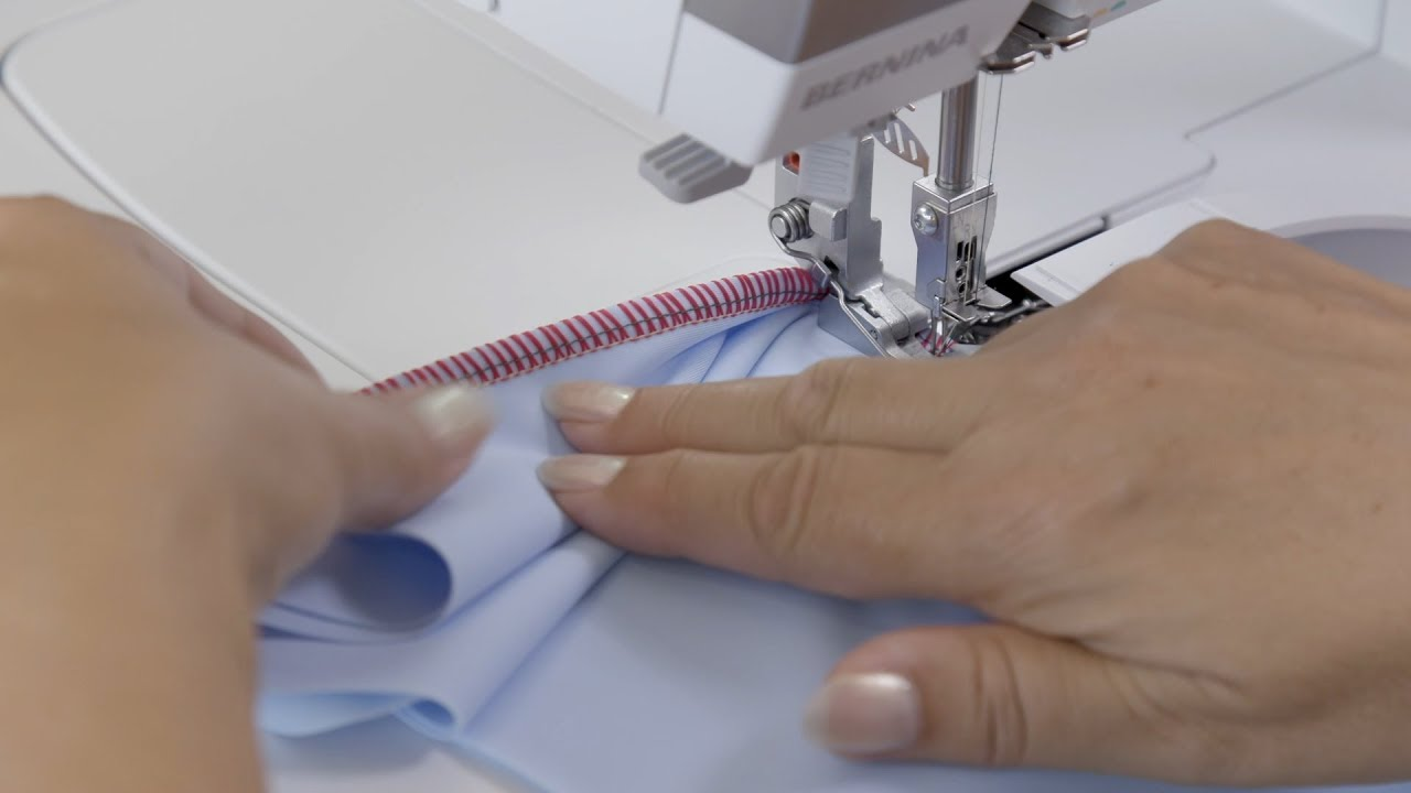 Surjeteuse BERNINA L 850: optimisation du point superstretch avec 3 fils, point de surjet enveloppé à 2 fils