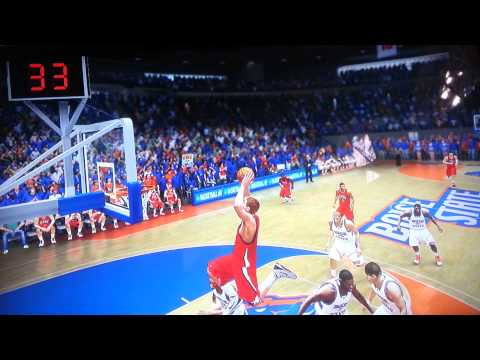 NCAA BASKETBALL 10 MONSTER DUNK