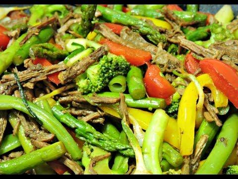 Ensalada en wok de carne con espárragos.-RecetasdeLuzMa