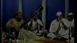 Kishan Maharaj Bismillah Khan Imrat Khan together - YouTube