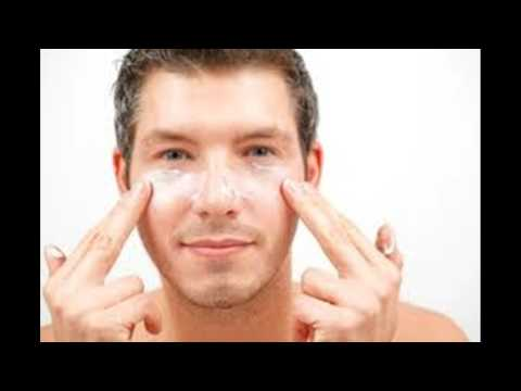 Maschere per pelle intorno a occhi di 40 anni