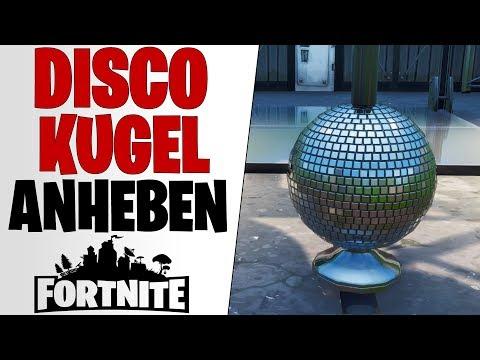 Fortnite: Tanze mit Anderen - Discokugel in eisigem Flugzeughangar anheben - Season X 10 Deutsch