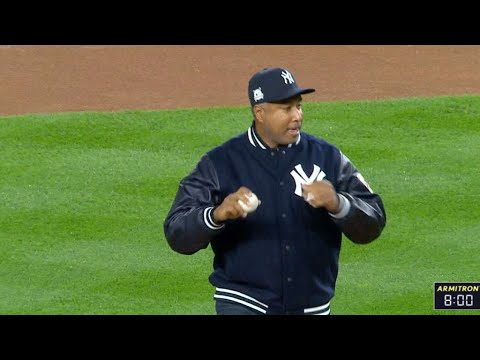 ALCS Gm3: Bernie Williams delivers the first pitch