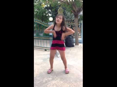 สาวน้อยลูกครึ่ง โชว์เต้น sexy