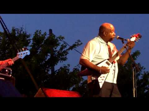 Mississippi Heat with special guest Carl Weathersby-2