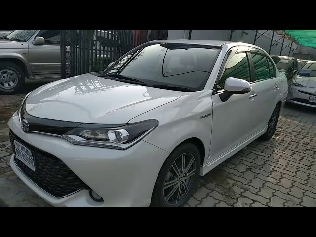 Toyota Corolla Axio Hybrid 1.5 2017 for Sale in Lahore