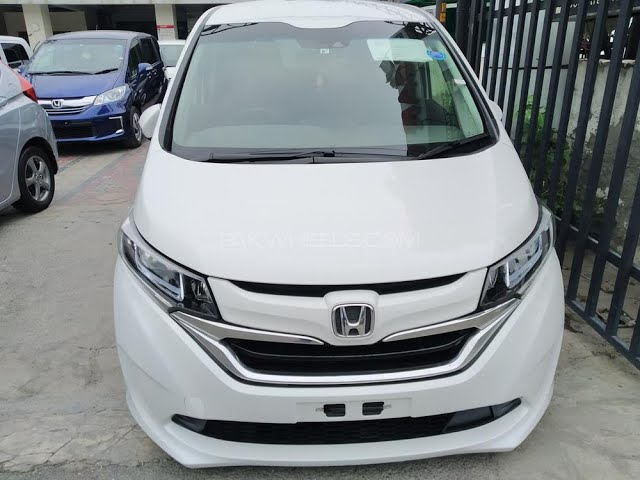 Honda Freed + Hybrid B 2017 for Sale in Lahore