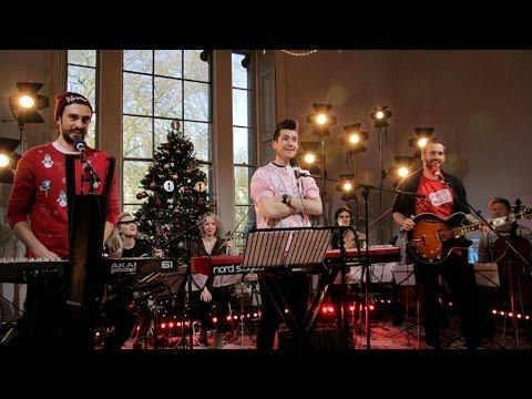 Christmas Mashup in the Christmas Live Lounge