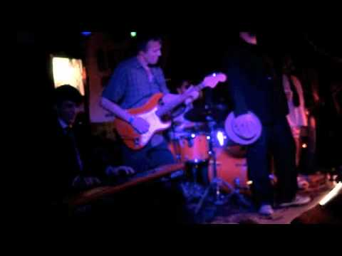Neil Arnold at roteiro blues 1st anniversary