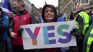 Mii de persoane au susţinut, la Glasgow, ''dreptul Scoţiei de a-şi alege'' viitorul