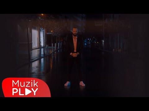 Berkay - Kırgınım Ona (Official Video) Sözleri