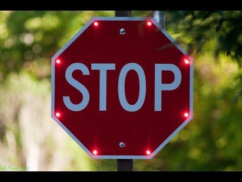 ЗНАК STOP!!!! Не проезжайте без остановки, оба не остановились!( экзамен не сдан)