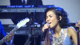 """Live Performance: Jhene Aiko, """"Spotless Mind"""" At #uncapped   Vitaminwater & FADER TV"""