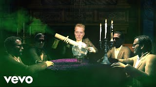Head Like a Haunted House - Queens of the Stone Age  (Video)