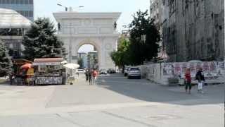 アキーラさん①マケドニア・スコピエ・マケドニア広場・Skopje,Macedonia