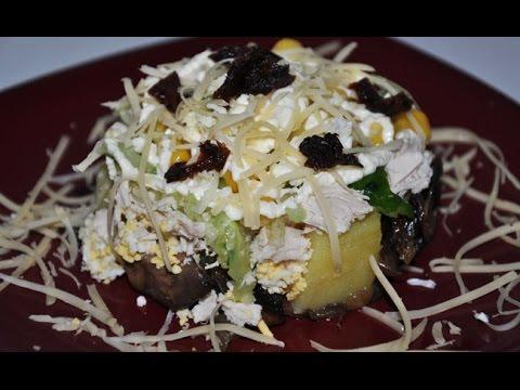 Салат ВЕНЕЦИЯ с курицей, грибами и сыром.