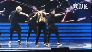 [FANCAM] 151231 ZHANG YIXING -MYM (MISS YOU MUCH) @ DRAGON TV NEW YEAR COUNTDOWN