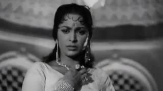 Jhoom Jhoom Dhalti Raat - Kohra - Lata Mangeshkar - YouTube