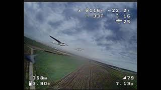 FPV KWAD - chasing airplane and flying backwards