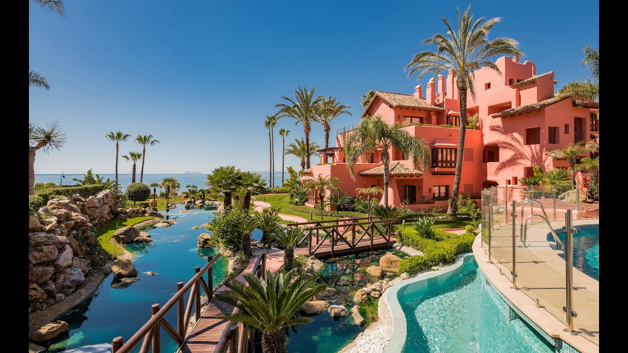 Fully reformed 3 bed luxury front-line beach apartment for sale in Cabo Bermejo, Estepona New Golden Mile