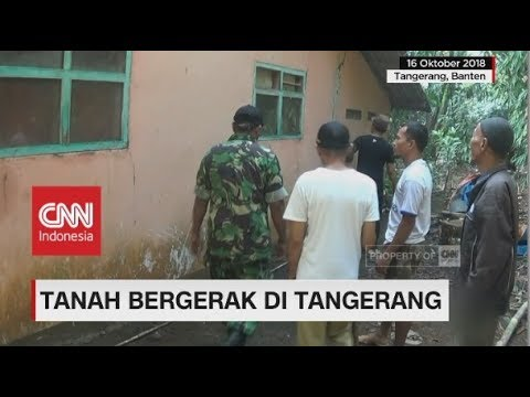 Tanah Bergerak Rusak Rumah Warga di Tangerang