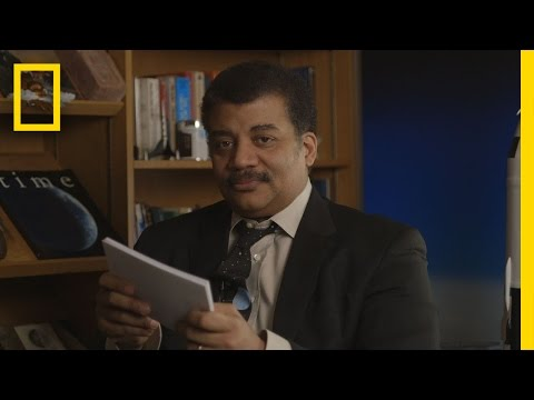 Neil deGrasse Tyson Reads Mean Tweets - Pluto Edition | StarTalk