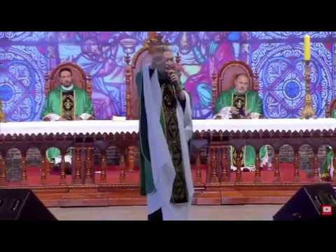 Famous Priest Pushed off Stage by Woman in Front of Thousands of Stunned Worshippers || GoViral