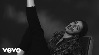 Tessa Ia   Hombres (Lyric Video)