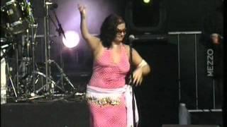 Natacha Atlas - Mon amie la rose / Festival du Bout du Monde 2003 تحميل MP3