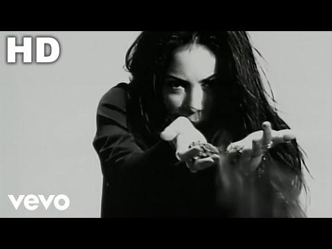 Pies Descalzos - Shakira (Video)
