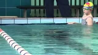 Урок по плаванью для начинающих: обучение детей - Видео онлайн
