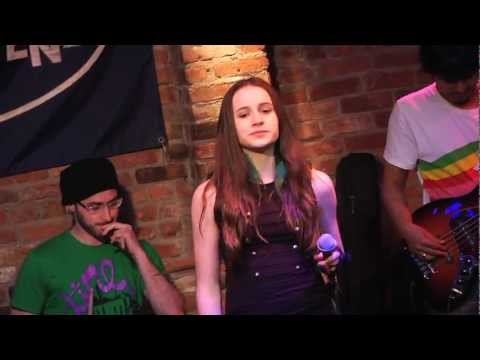 KATY PERRY'S HOT N COLD  PERFORMED BY TORI ROBINSON.mov