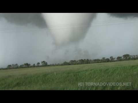 مطاردة العواصف 1