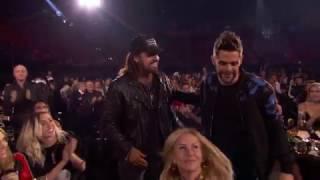 Thomas Rhett Acceptance Speech | IHeartRadio Music Awards 2017