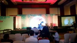 preview picture of video 'Pranjal Shah Live @ hyatt (Foundation Day Celebration- eZest Solutions Pune)'