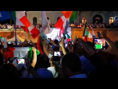 Risuona l'inno Nazionale !! È stato un momento toccante - Roma Piazza della bocca della verità