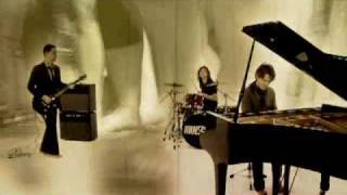 Walk Around The World - Hanson (Video)