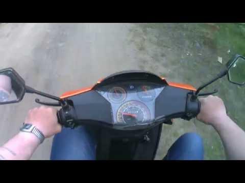 покатушки на китайском скутере.