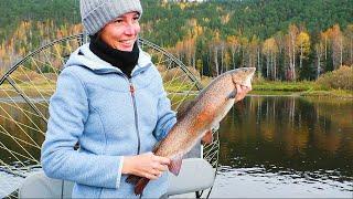 В ТАЙГУ НА НЕДЕЛЮ (день 5). Рыбалка на таёжной реке в Сибири. Сплав.