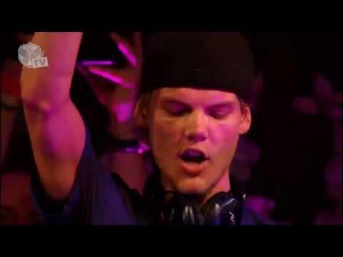 Levels và Wake me up ! 2 track cực hit của DJ AVICII ---->tomorrowland Bỉ .Các bạn hãy cùng xem độ cuồng của Fan anh ấy nhé ^^