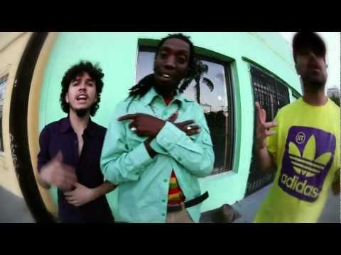 Sudakaya feat. Menny More - Jamaicuadorian