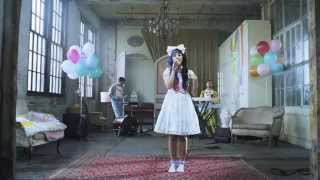 Melanie Martinez - Dollhouse (Live)