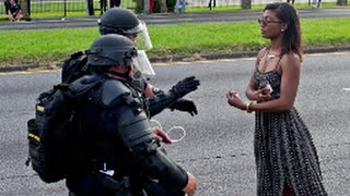 Gambar cover Black Lives Matter Protesters Clash With Police