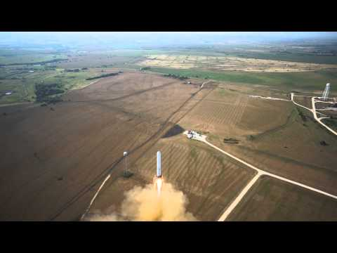 Watch The SpaceX Grasshopper Execute The Perfect Take Off, Hover And Landing