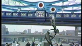 preview picture of video 'St Katharine Docks and Towerbridge1988 London'