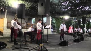 Cimbálová muzika Slovácko ml.  + T.  Janošek - Okolo Trnavy