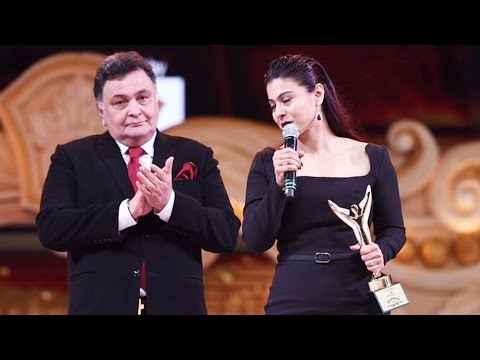 Kajol Receives Ajay Devgn's Best Director Award | Stardust Awards 2016